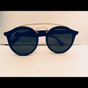 Black Ray-Ban Gatsby Sunglasses RB 4256